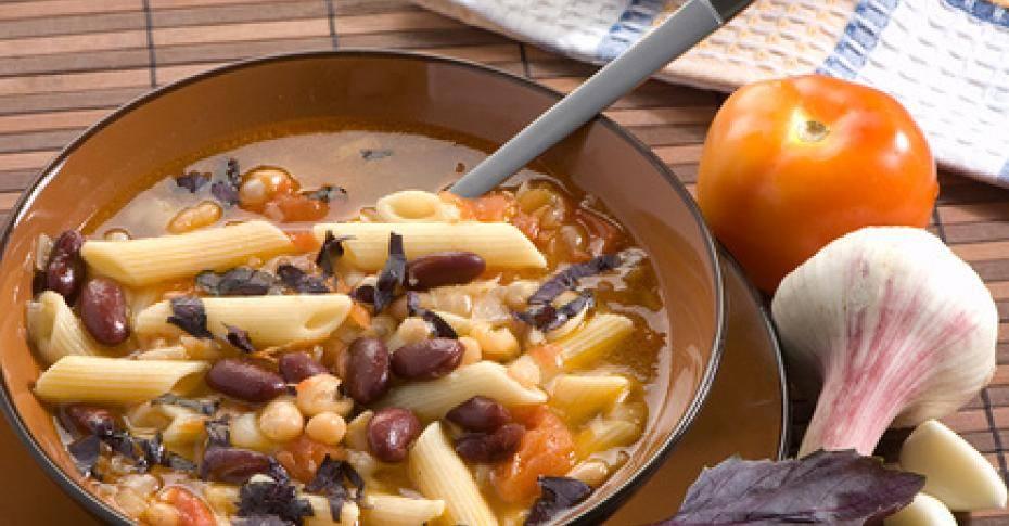 Итальянский густой фасолевый суп