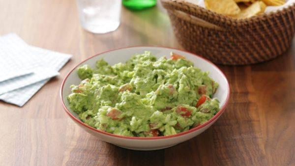 Рецепты гуакамоле: классический соус из авокадо, гарнир и другие интересные варианты + фото и видео