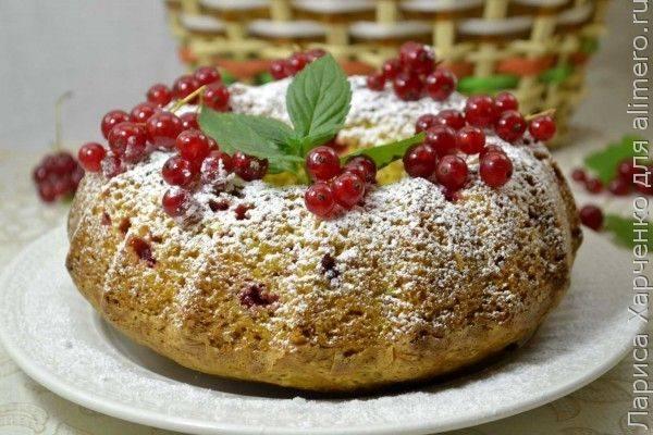 Сметанный кекс с ягодами