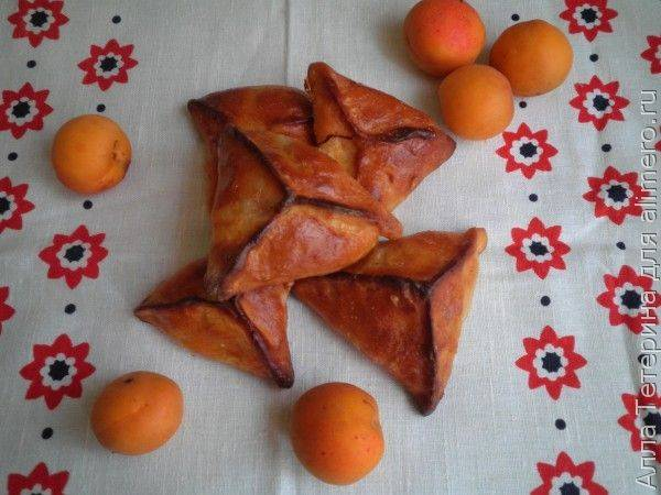 Пирожки с абрикосами