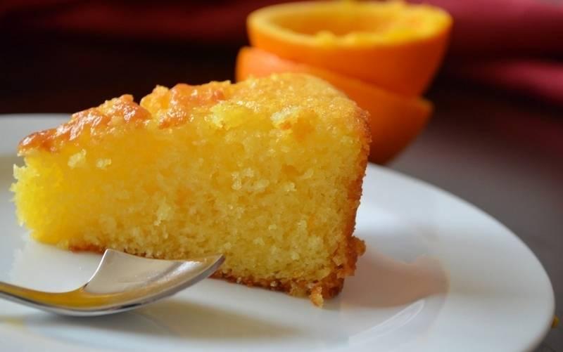 Пирог апельсиновый с ягодами в мультиварке