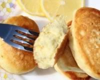 Оладьи на простокваше – рецепты с дрожжами, без яиц, с бананом, яблоком и тыквой