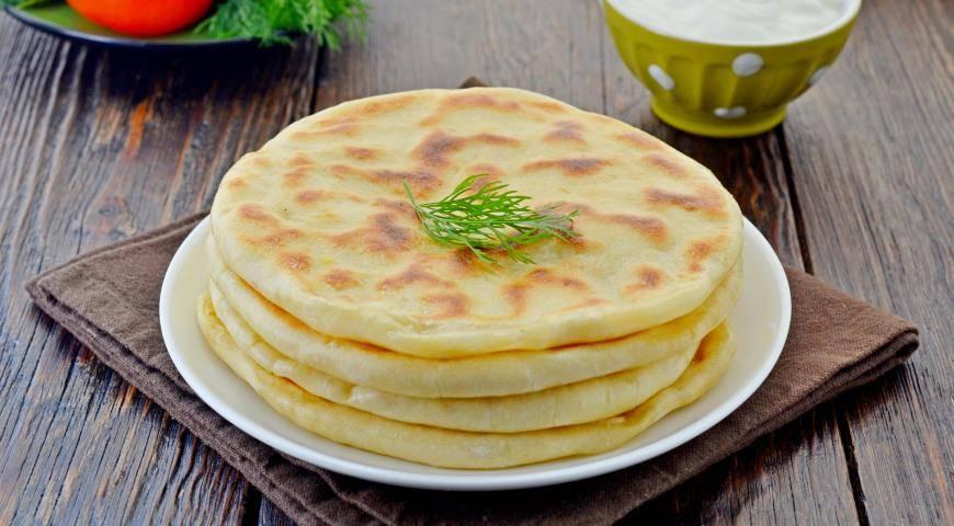 Картофельные лепешки на сковороде - быстрые рецепты простого блюда на каждый день