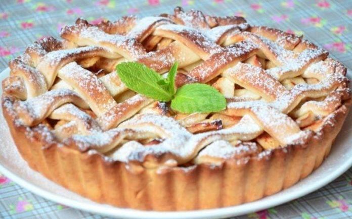 Пирог с яблоками и корицей - рецепты из слоеного, песочного, дрожжевого теста