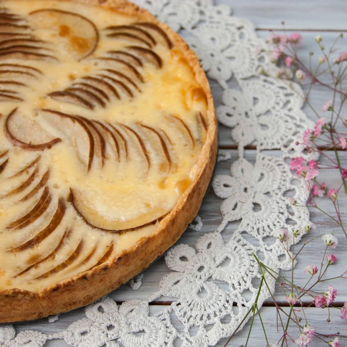 Груши из картофельного пюре с начинкой