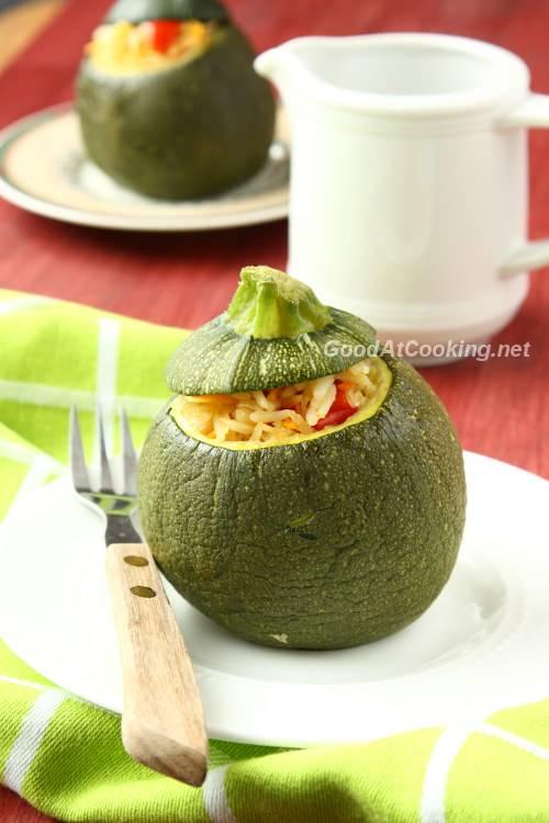 Кабачки фаршированные рисом и овощами в духовке рецепт