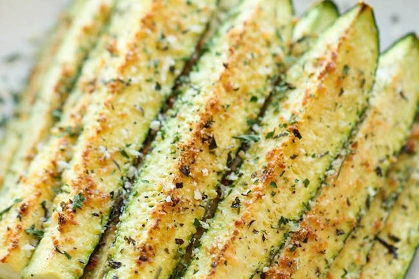Что можно приготовить из кабачков в духовки. палочки из кабачков с сыром. простой рецепт «кабачковые оладьи» с сыром, запеченные в духовке