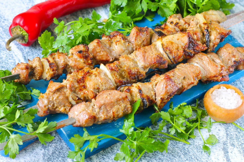 Шашлык из кабачков на мангале: 12 рецептов маринада
