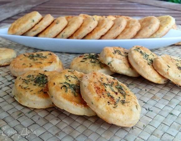 Острые сырные крекеры