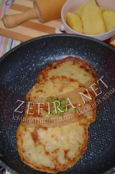 Картофельная лепешка с начинкой