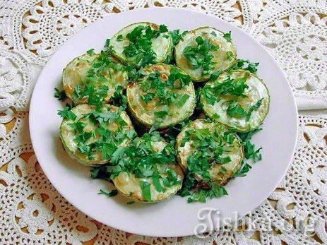 Кабачки жареные с чесноком: лучшие домашние рецепты с фото