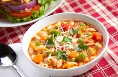 Минестроне - овощной суп итальянской кухни сложного состава