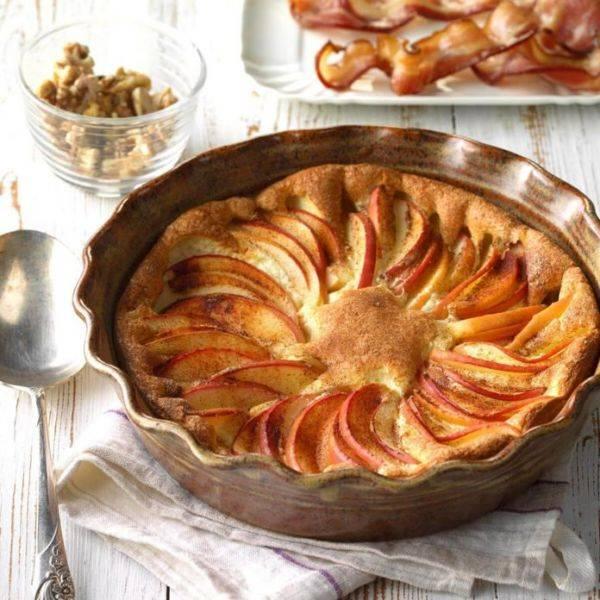 Интересный и лёгкий завтрак - сладкий омлет с яблоком