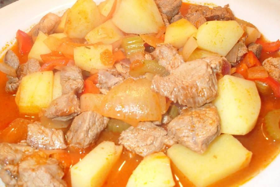Картошка с тушенкой в мультиварке - рецепты соуса, супа, жаркого и простого жареного блюда