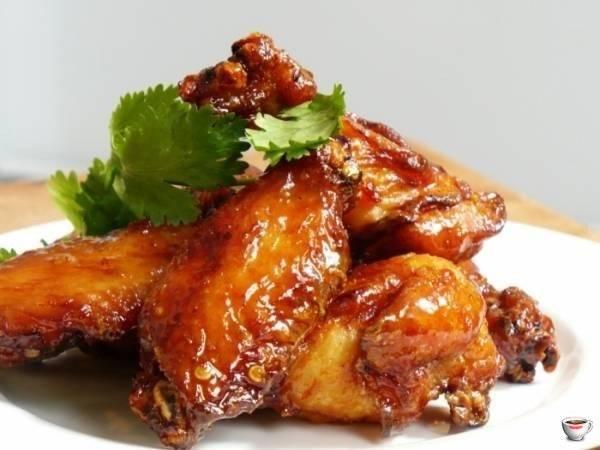 Аппетитные куриные грудки в медово-соевом соусе