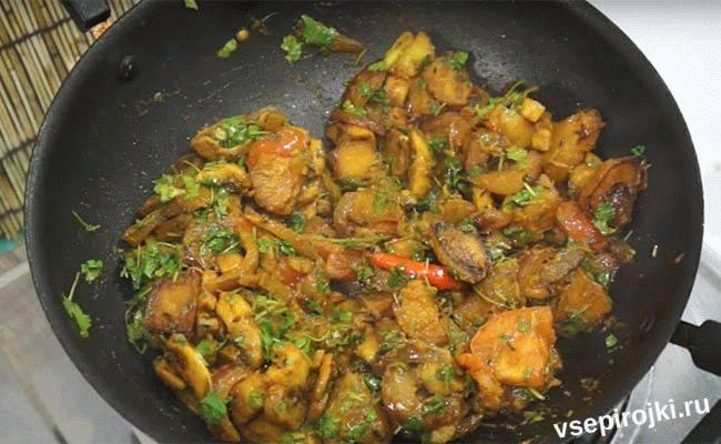 Рецепт приготовления жареной картошки с грибами на сковороде