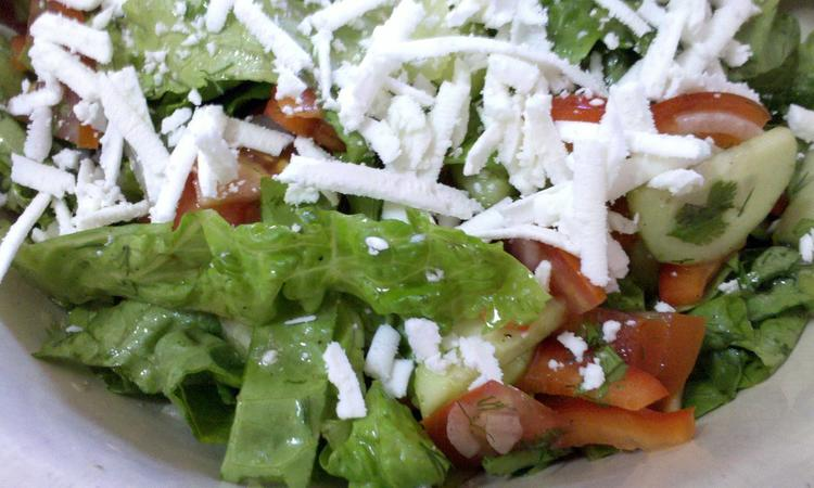 Салат из пасты с овощами и творогом
