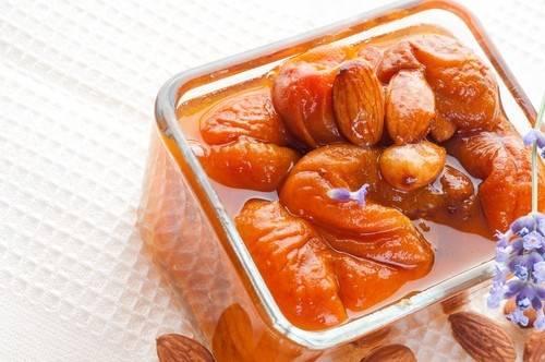 Варенье из абрикосов с ядрышками на зиму: простой рецепт с фото пошагово