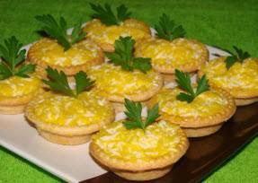 Еврейская закуска с плавленым сыром и чесноком
