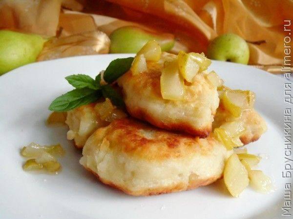Картофельные пирожки с грушей