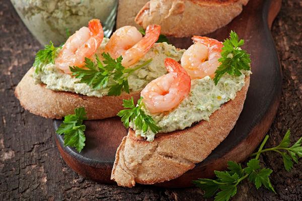 Бутерброды с креветками: 5 рецептов, особенности приготовления - onwomen.ru