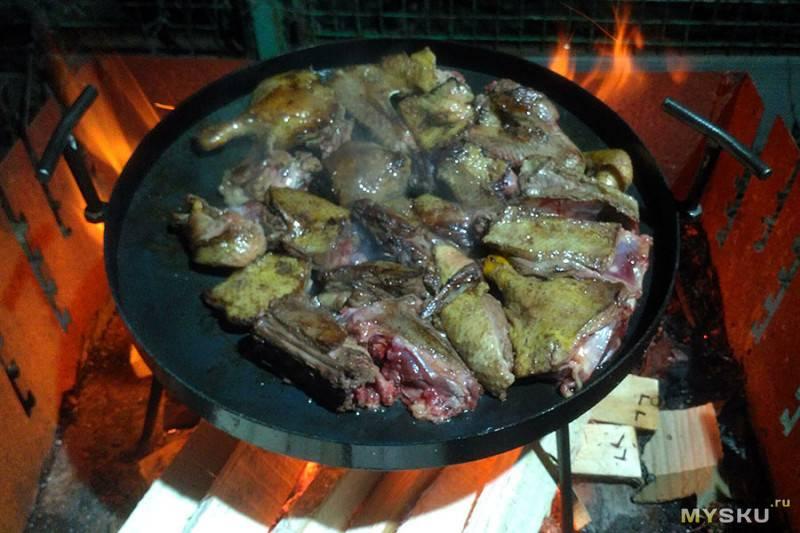 Жарим мясо на природе !!! куриные ножки и жареная картошка на сковороде из диска бороны