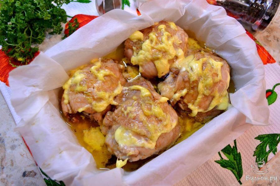 Куриные бедра на шампурах в духовке