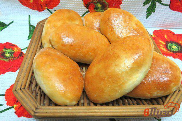 Пирожки с солеными грибами, луком и рисом