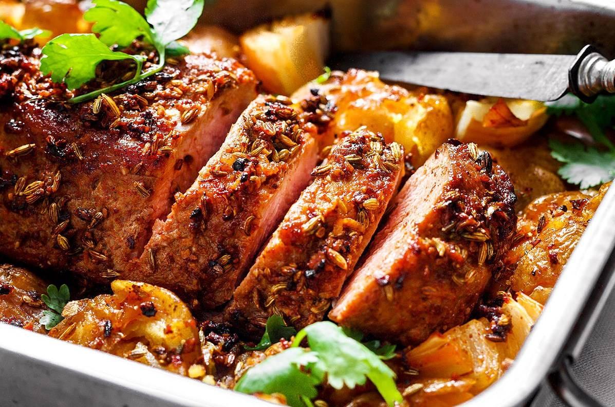 Как приготовить нежную свиную вырезку в духовке: пошаговый рецепт с фото