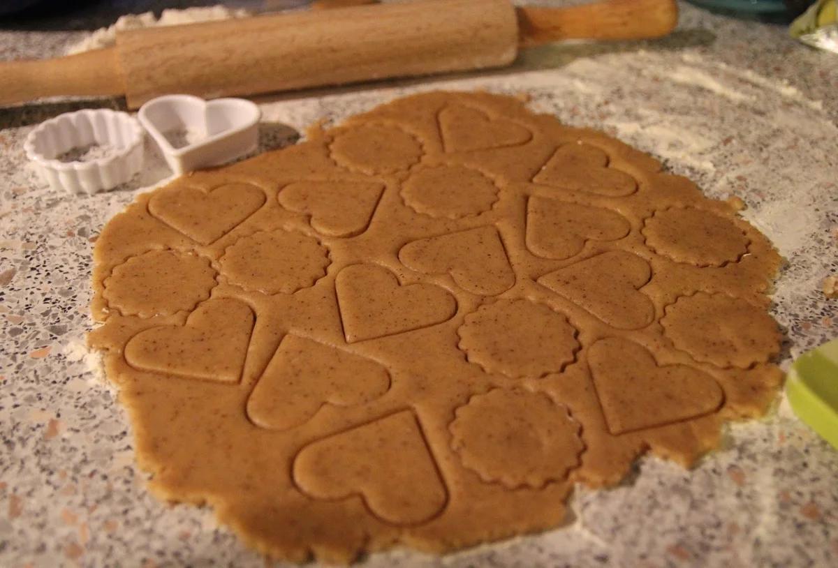Имбирное печенье - простой и вкусный рецепт с корицей, шоколадом и без сахара