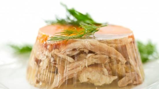 Как научиться готовить вкусный холодец из свиных ножек и рульки по простому рецепту