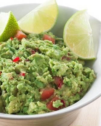 Салат с киноа и овощами для здорового образа жизни и диет