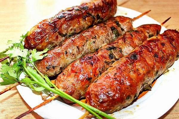 Люля-кебаб из свинины в соусе
