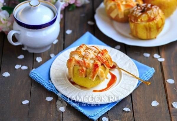 Фаршированные яблоки в духовке
