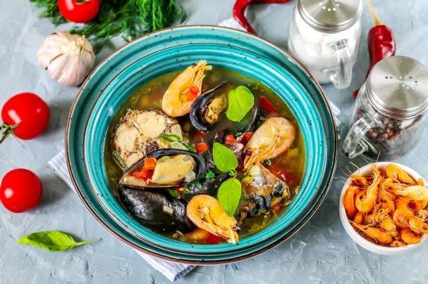 Рыбный суп с морепродуктами