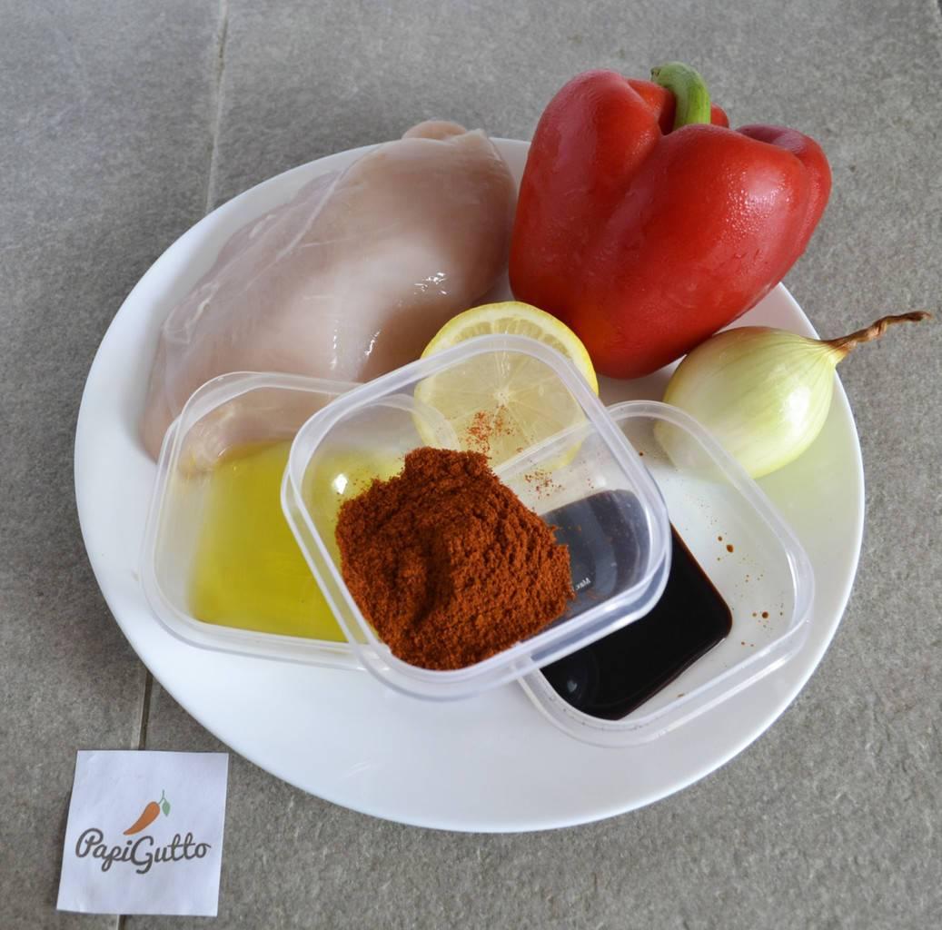 Тёплый салат с курицей и болгарским перцем - 7 пошаговых фото в рецепте