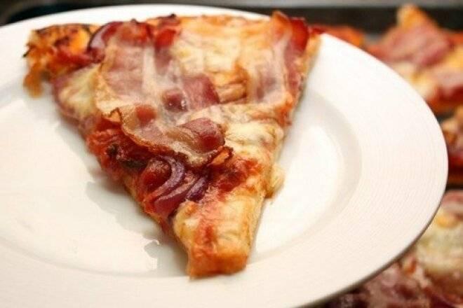Как приготовить домашнюю пиццу с моцареллой