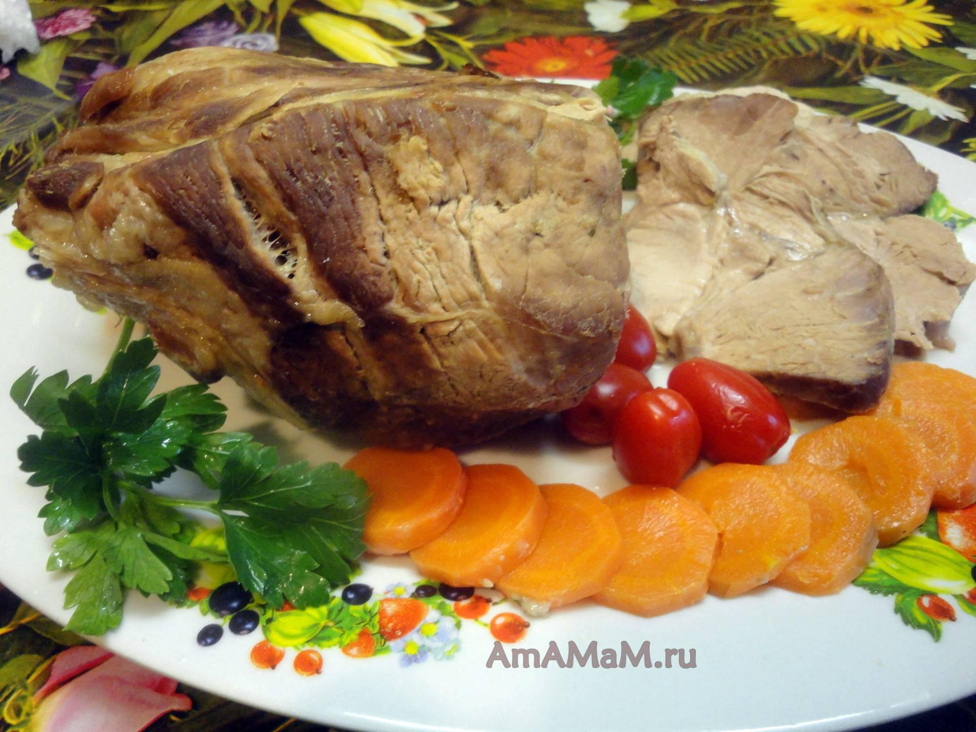 Лосось в маринаде из красной смородины
