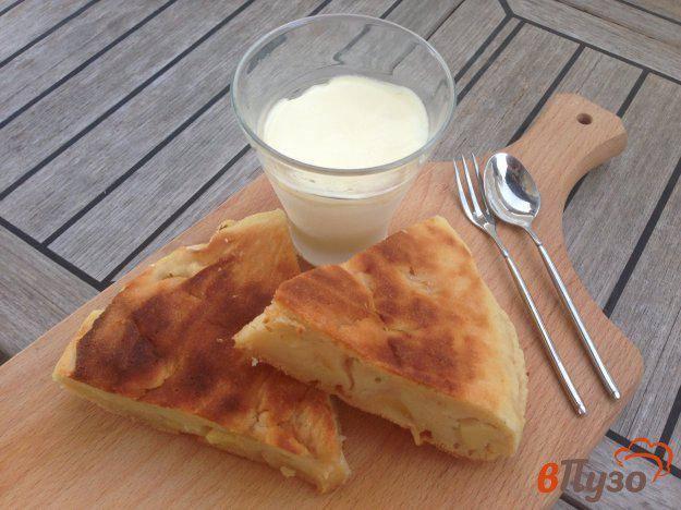 Лепёшка с сыром, зеленью и чесноком
