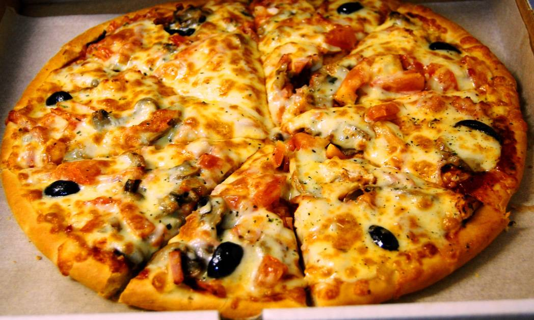 """Пицца """"шампиньоны в сыре"""""""