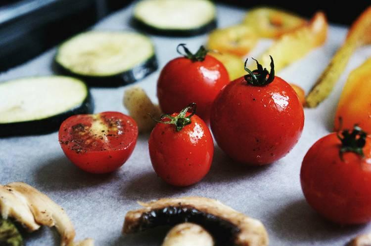 Как вкусно запечь овощи в духовке