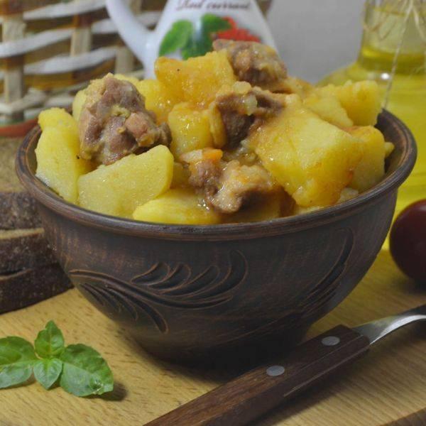 Тушеная картошка с курицей в кастрюле - пошаговые рецепты