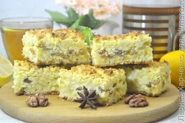 Домашний тёртый пирог с творогом и изюмом - подробный рецепт