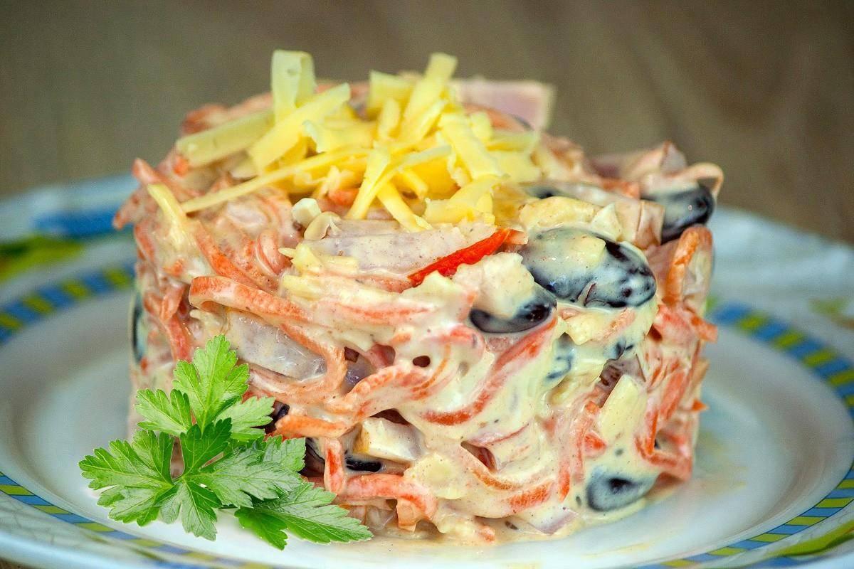 Быстрый салат с корейской морковью и фасолью