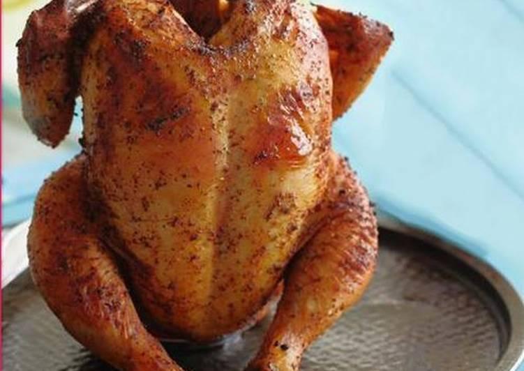 Курица с хрустящей корочкой в духовке целиком