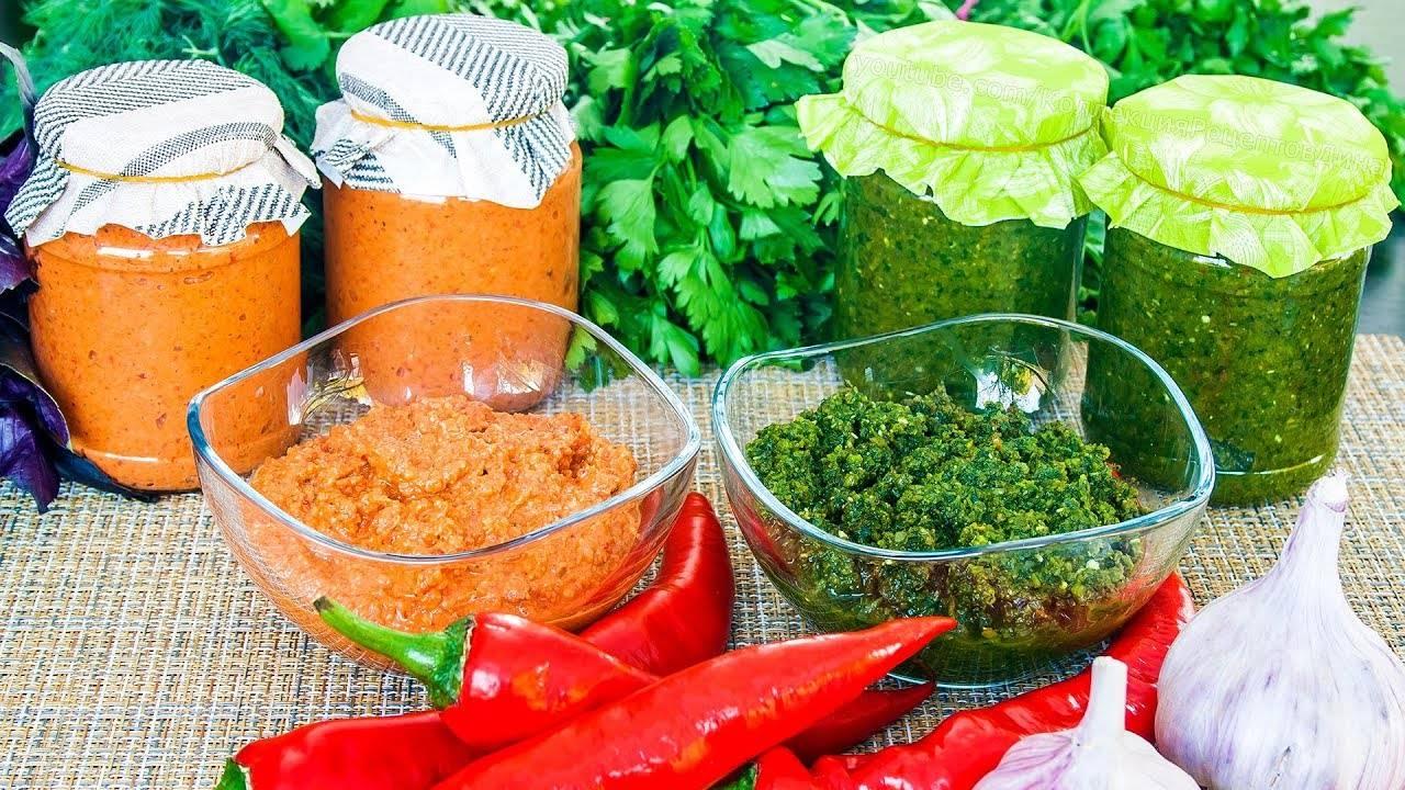 Аджика острая: рецепт на зиму с помидорами и перцем (фото пошагово)