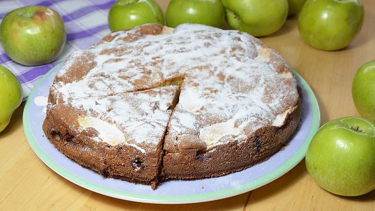 Крутой яблочно-шоколадный пирог - такой нежный и вкусный!