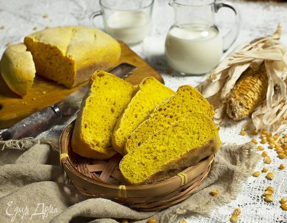 Кукурузный хлеб с перцем и луком