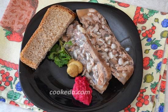 Вкусный праздник — холодец из свиных ножек и говядины