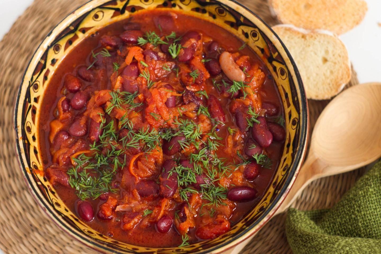 4 простых и вкусных рецепта салата с фасолью в томатном соусе